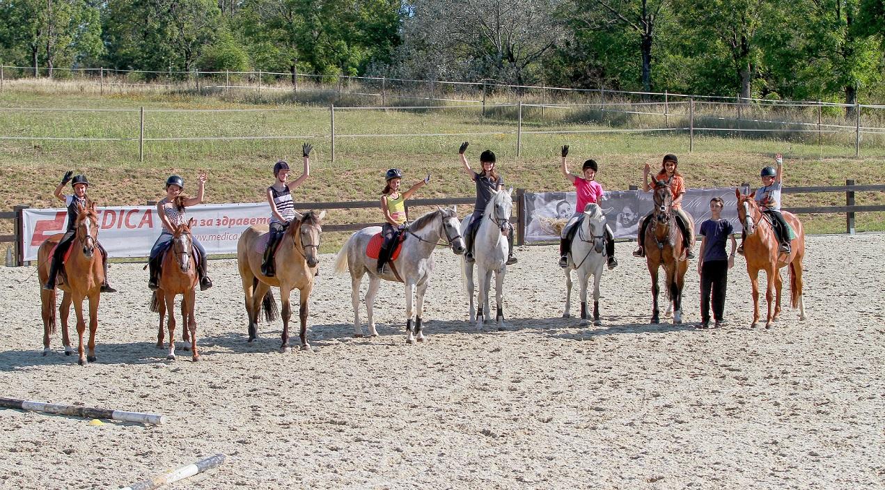 Детски спортни лагери по конна езда