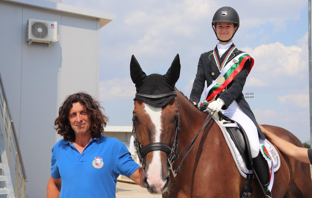 Райко и Маги – вице-шампиони на България по обездка 2018 клас Т и юноши до 18г.