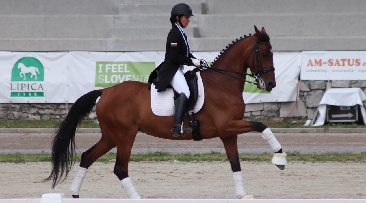 """Бронзов медал от Балканиада по обездка 2019 за нашата Мирела Райкова в категория """"Млади ездачи"""""""